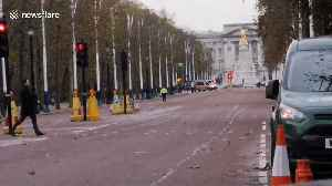 Police confirm vehicle is 'non-suspicious' after officers set up cordon near Buckingham Palace [Video]