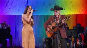 Kacey Musgraves and Willie Nelson Perform 'The Rainbow Connection' Live at CMA Awards 2019 [Video]