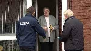 Boris Johnson knocks on doors in Mansfield [Video]