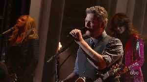 Blake Shelton Performs 'God's Country' Live at CMA Awards 2019 [Video]