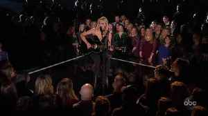 Kelsea Ballerini Performs 'Homecoming Queen?' Live at CMA Awards 2019 [Video]