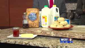 Food Friday - Mississippi State Fair Biscuits [Video]