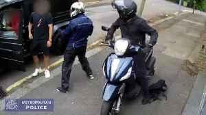Footage released of attempted robbery on Arsenal stars Sead Kolasinac and Mesut Ozil [Video]