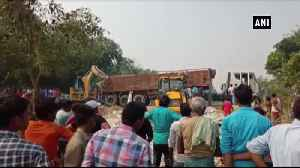 6 children die after truck trolley overturns in Bihar Gopalganj [Video]