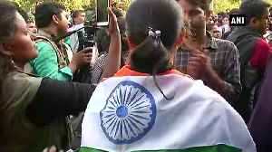 JNU students march towards Parliament over complete fee roll back demand stopped by Police [Video]