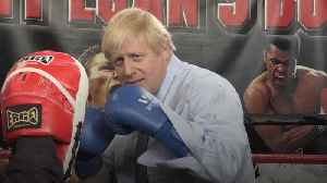Johnson shows right jab in sparring visit to Manchester [Video]