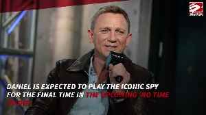Daniel Craig: Emilia Clarke can be Bond [Video]