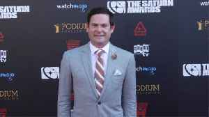 Henry Thomas cuts no-jail plea deal in dui case [Video]