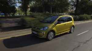 The new Volkswagen e-up! Driving in Valencia [Video]