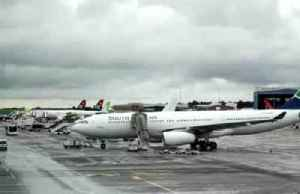 South African Airways agrees deal, unions end strike [Video]