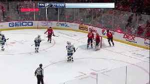 Elias Pettersson converts on two-man advantage [Video]