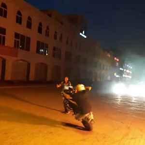 Guy Rides Bike While Balancing it on One Wheel [Video]