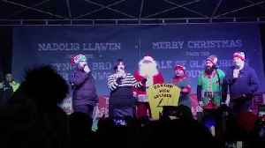 Gavin And Stacey's Nessa switches on Barry Christmas lights [Video]
