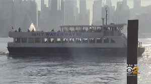 New York Waterway Ferry Riders Question Safety Issues [Video]