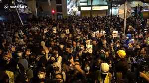 News video: Hongkongers show solidarity for remaining protesters in Polytechnic University