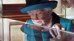 Queen celebrates Royal Philatelic Society's 150th anniversar [Video]