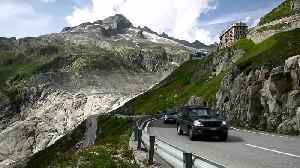 Photomontage shows 'clear and irreversable' shrinking of Swiss glaciers [Video]