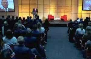 Tony Blair: 'They're both peddling fantasies' [Video]