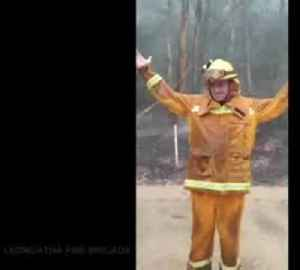Firefighters celebrate after rains bring relief in rural Australia [Video]