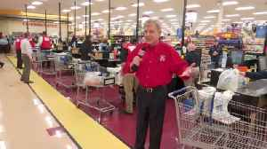 Food City Celebrity bagging [Video]