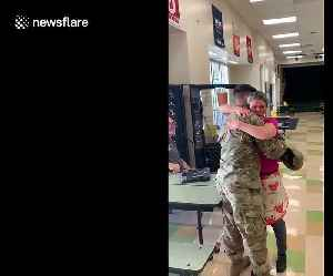 Heartwarming moment US military man surprises his mom in Florida [Video]