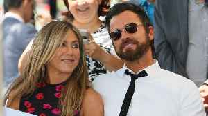 News video: Jennifer Aniston and Justin Theroux reunite for Thanksgiving celebration