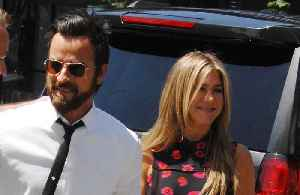 Justin Theroux celebrates Friendsgiving with Jennifer Aniston [Video]