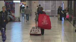 News video: Black Friday Shoppers Fill Their Bags At South Shore Plaza