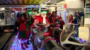 The 2019 CTA Holiday Train Stops Into City Stations [Video]
