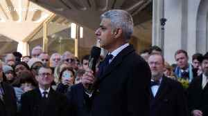 'We take hope from the heroism of ordinary Londoners,' says mayor Sadiq Khan at vigil for London Bridge victims [Video]