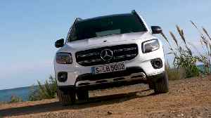 The new Mercedes-Benz GLB 250 4matic Design in White metallic [Video]