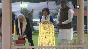 Swedish King Queen pay tributes to Mahatma Gandhi at Gandhi Smriti [Video]