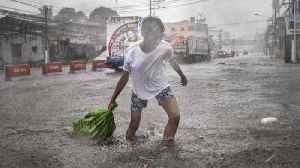 Typhoon Kammuri slams into Philippines, killing at least 2 [Video]