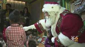 Homeless Children Get To Meet Santa In #GivingTuesday Event [Video]