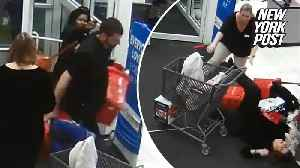 Shoplifting suspects pepper-spray employees before fleeing with goods [Video]