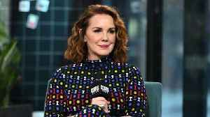 "How Elizabeth Perkins Prepared For Her Role In Apple TV+'s ""Truth Be Told"" [Video]"