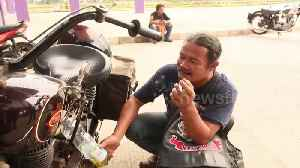 Indonesian motorbike enthusiasts restore classic two-wheelers for their collections [Video]