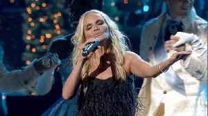 Kristin Chenoweth Performs 'The Christmas Waltz' on 'CMA Country Christmas' 2019 [Video]