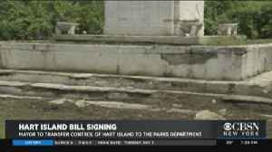 Mayor De Blasio Signs Hart Island Bill [Video]