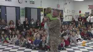 Military Dad Comes Home For The Holidays [Video]