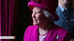 On Christmas, Queen Elizabeth Reportedly Changes Her Outfits As Many As 7 Times [Video]