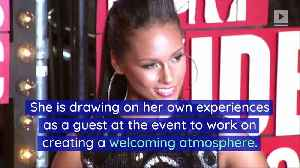 Alicia Keys Wants Grammy Awards to Be a 'Lovefest' [Video]