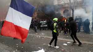 Tear gas and arrests at 'largest French strike in decades' [Video]