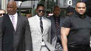 Illegal wedding bribery charge added to R. Kelly's legal woes [Video]