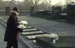 Angela Merkel visits the Auschwitz-Birkenau memorial [Video]