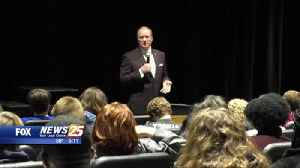 Mississippi State president visits Gulfport High School [Video]