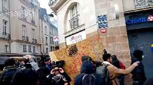 Protesters clash with French police in Nantes [Video]