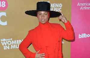 Alicia Keys wants to make the Grammy Awards a 'lovefest' [Video]