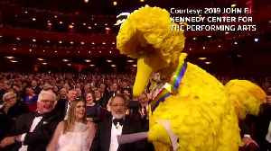 Kennedy Center honors stars of stage and screen [Video]