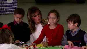 Melania gives gifts at 'Toys for Tots' holiday drive [Video]